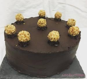 Schoko-Haselnuss Torte